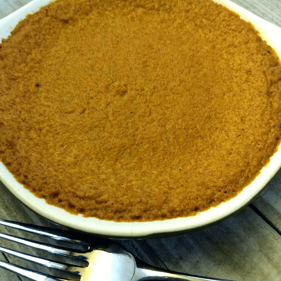Enjoy Thanksgiving this year with an egg free keto pumpkin pie. This pie is very easy to make and so increadibly delicious. It's also DSK friendly.