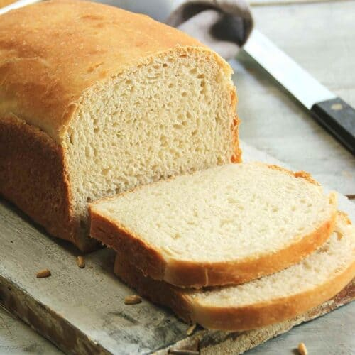 sliced bread loaf 500x500 - Recipes Under 10 Total Carbs
